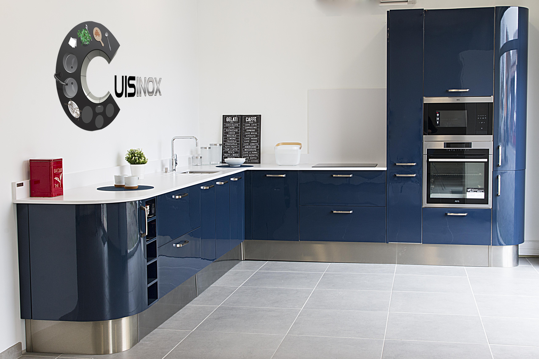 habitat cuisinox des cuisines et salles de bains 100 inox 100 vous journal diagonale. Black Bedroom Furniture Sets. Home Design Ideas